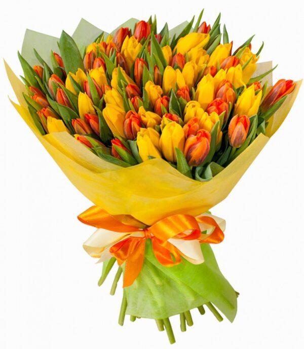 Тюльпаны желтые и тюльпаны оранжевые 55 шт. Букет тюльпанов.